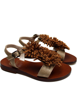 Fringe sandals in brown leather