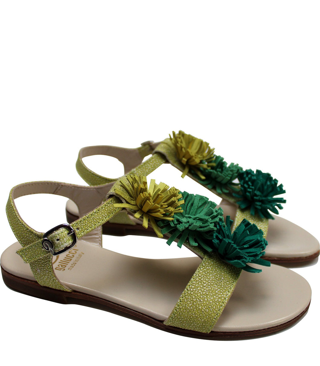 Fringe sandals in lime leather