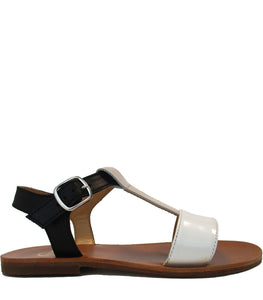 Minimalist sandals in calf leather