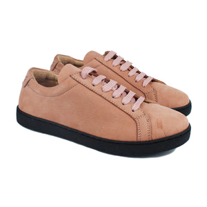 Sneakers in Salmon pink nubuk and black rubber soles