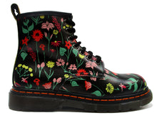 Load image into Gallery viewer, Ankle Boots in black with floral print