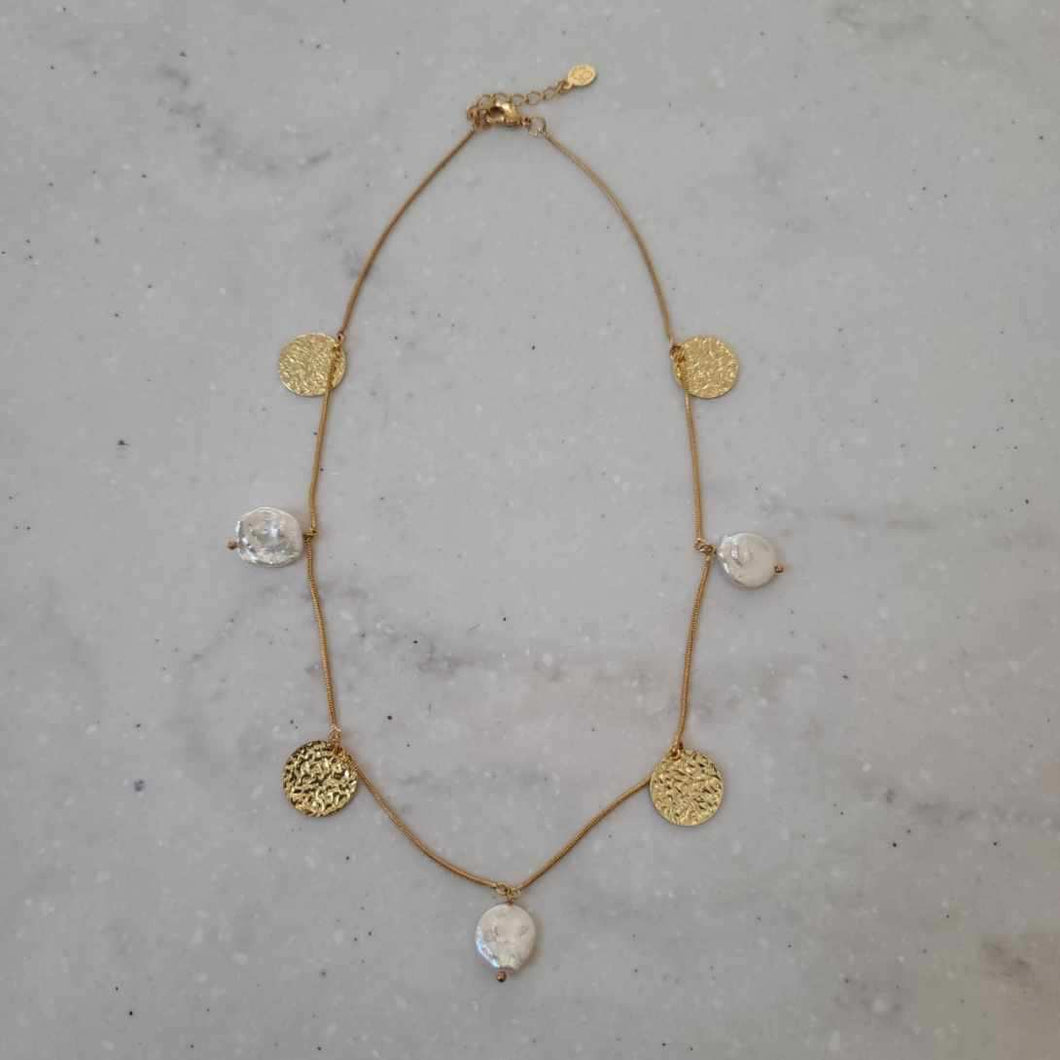 Flat Peal and Gold Coin Choker Necklace