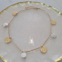 Load image into Gallery viewer, Flat Peal and Gold Coin Choker Necklace