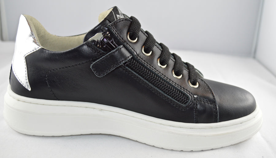 SHOES 76 sneakers pelle nera lacci zip