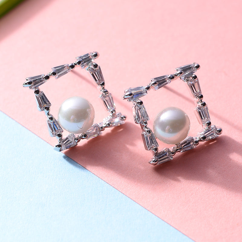 Boxy Pearl Earrings