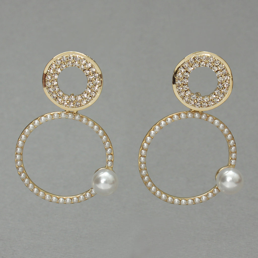 Pretty me pearl Earrings