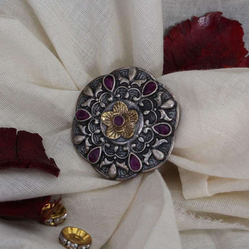 Silvery statement Ring with Ruby like stones
