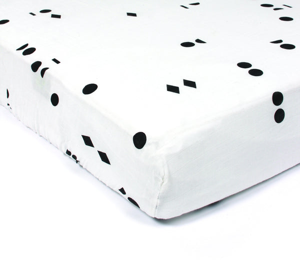 GAUTHIER STUDIO FITTED SHEET POLKA FORMS BLACK Billie & Axel, Montreal, Canada