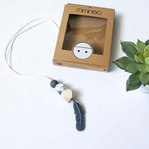 MIMINOO FEATHER SILICONE PENDANT TEETHING NECKLACE GREY