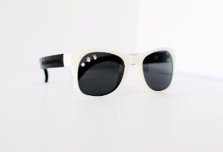 "ROSHAMBO BABY SUNGLASSES ""FREE WILLY"" BLACK/WHITE Billie & Axel, Montreal, Canada"