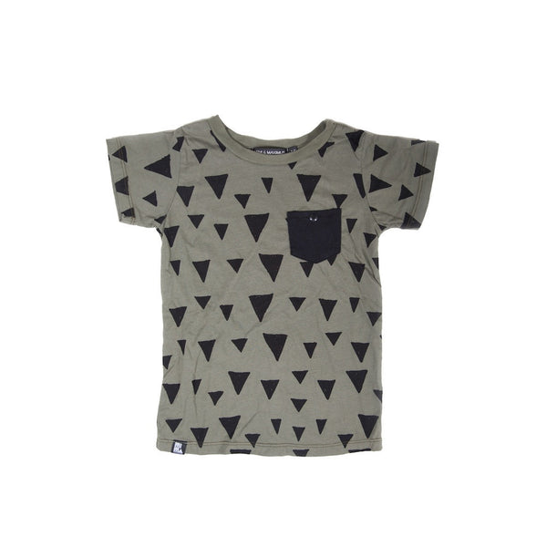 MINI AND MAXIMUS TRIANGLE POCKET TEE