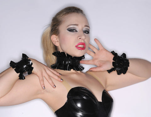Latex Accessory Set: Single Ruffle Choker and Cuffs