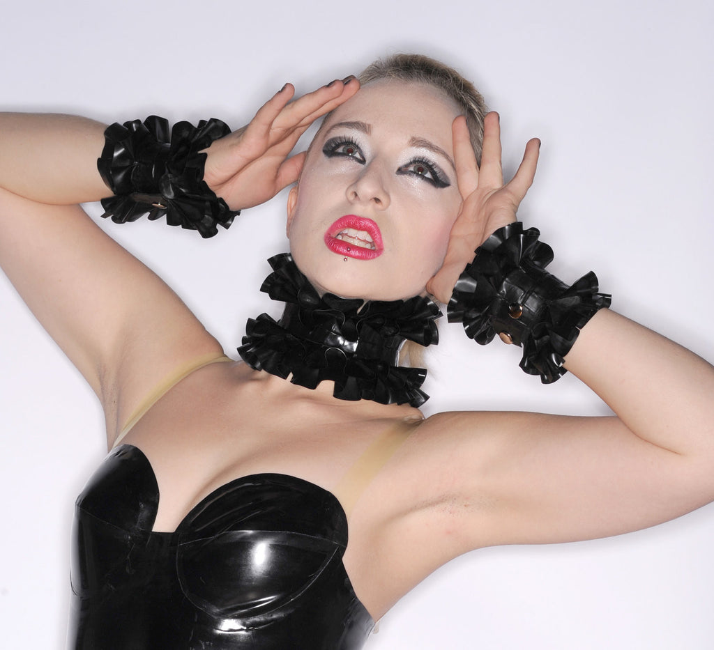 Latex Accessory Set: Double Ruffle Choker and Cuffs