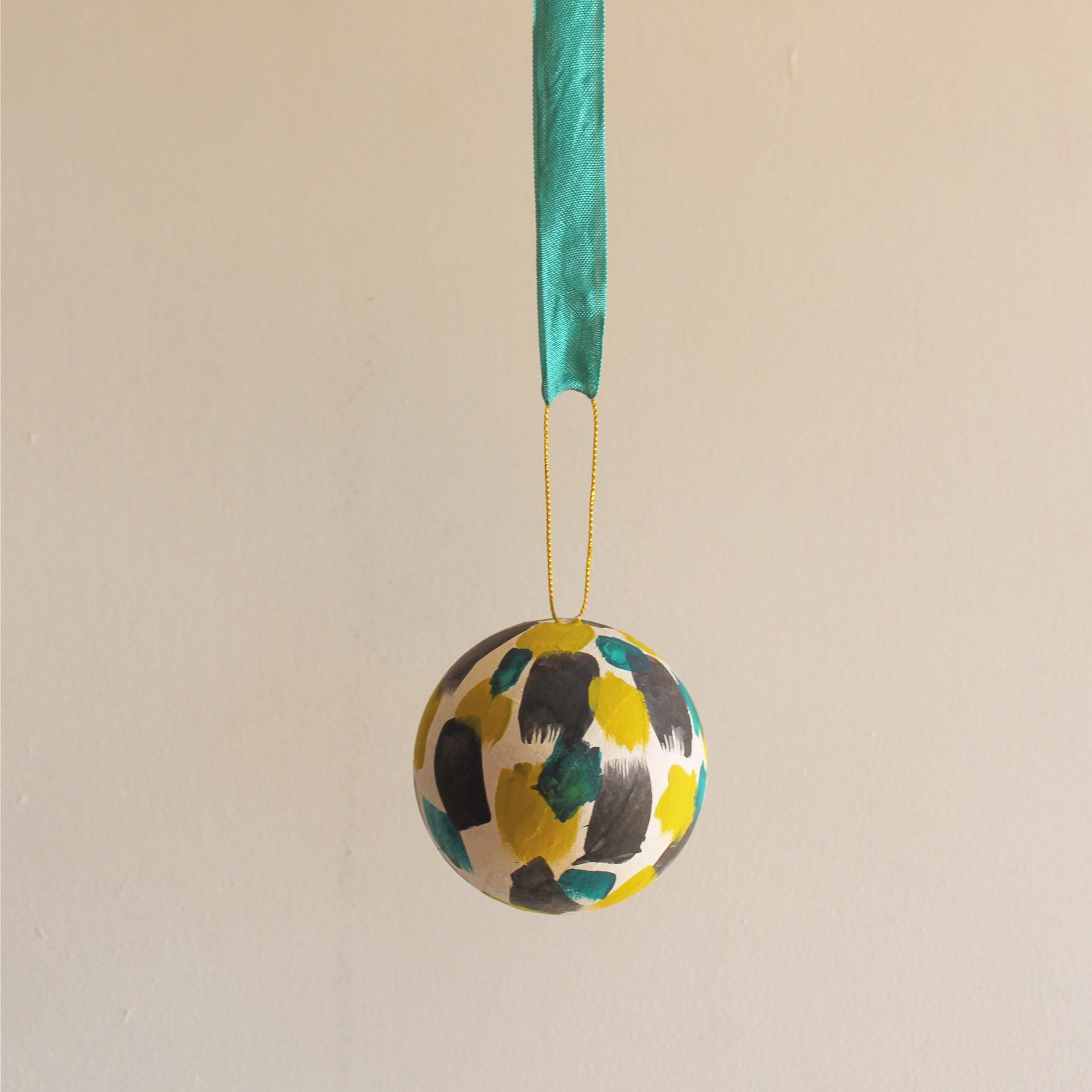 green-holiday-ornament-erika-firm