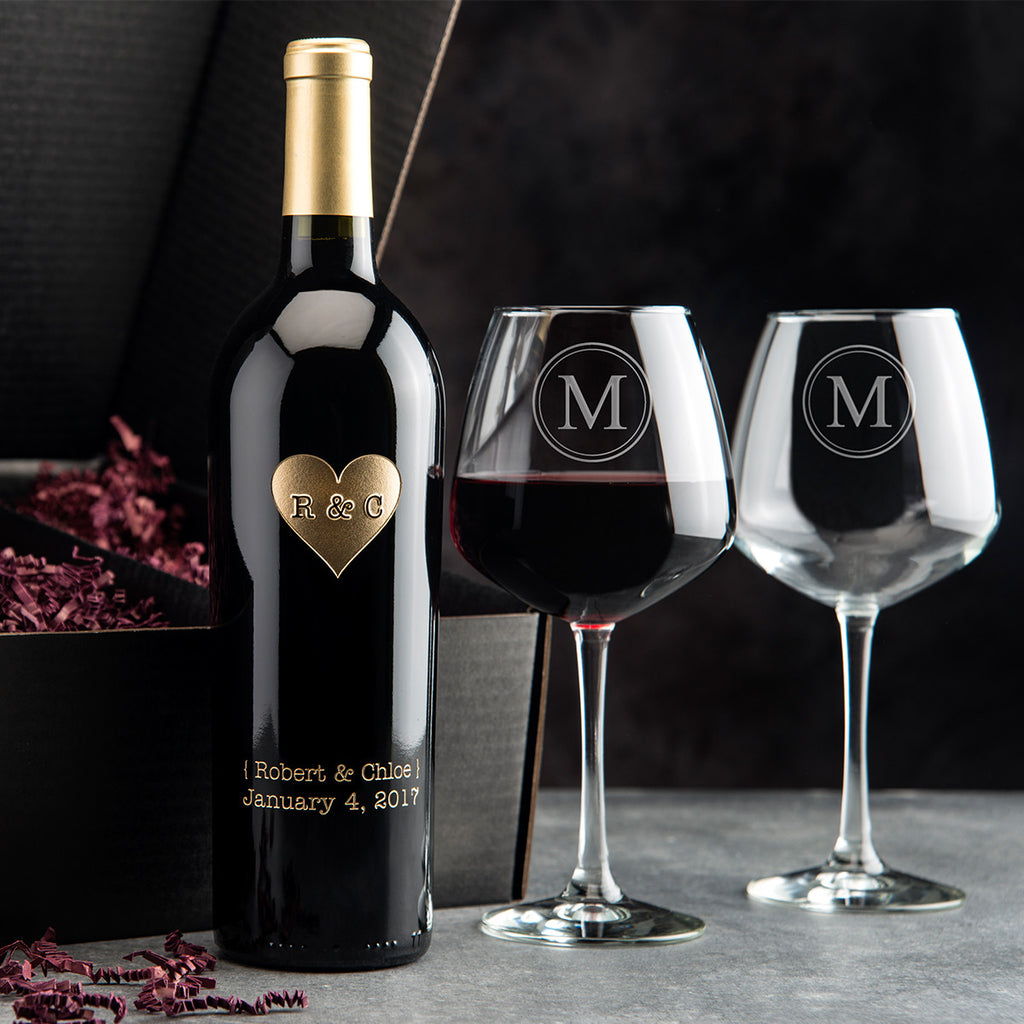 Monogram Heart Etched Wine Gift Set