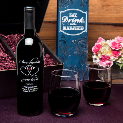 Two Hearts Etched Wine Gift Set