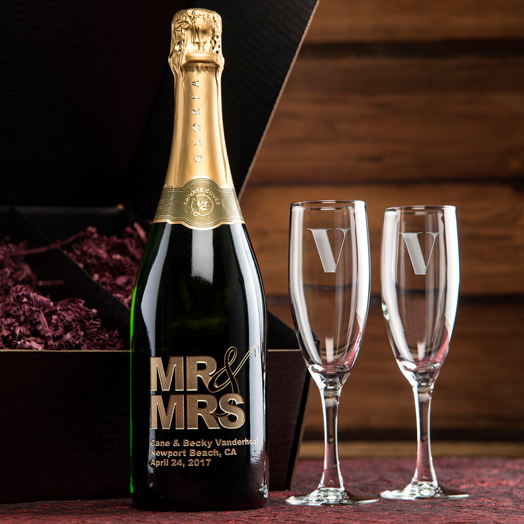 MR. & MRS. Etched Wine Gift Set