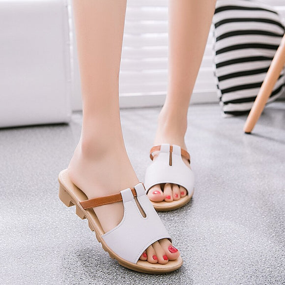 Slanted Heel-Toe Slippers Sandals