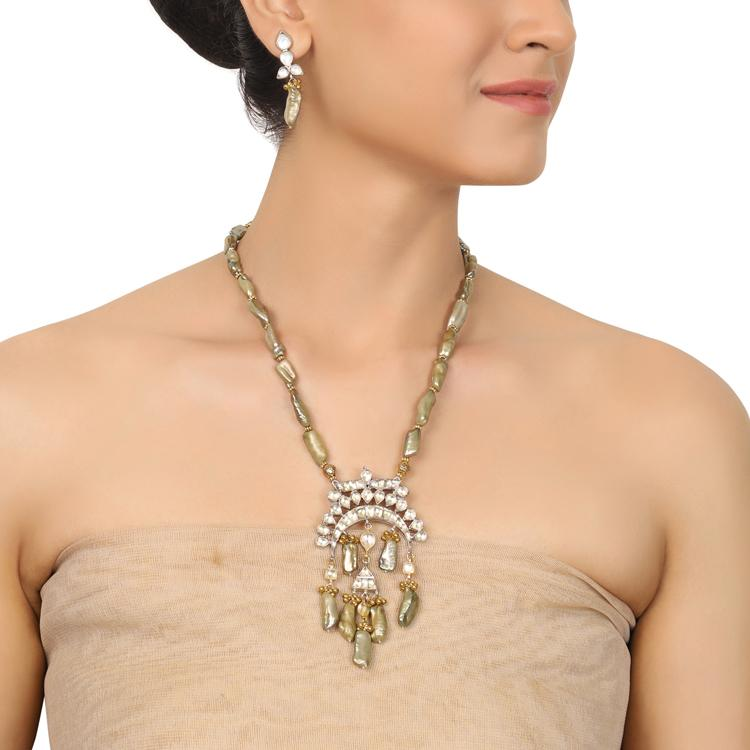 Gold & Silver Plated Mishran Grey Pearl Kundan Necklace Set