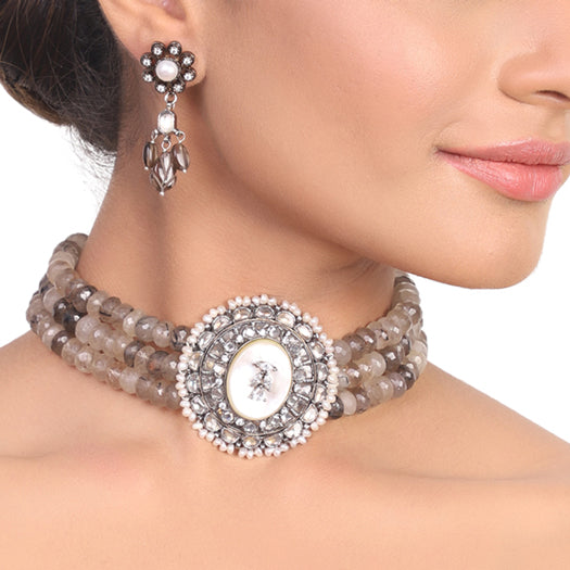 Silver Plated Manihaar Mother of Pearl Smokey Necklace Set
