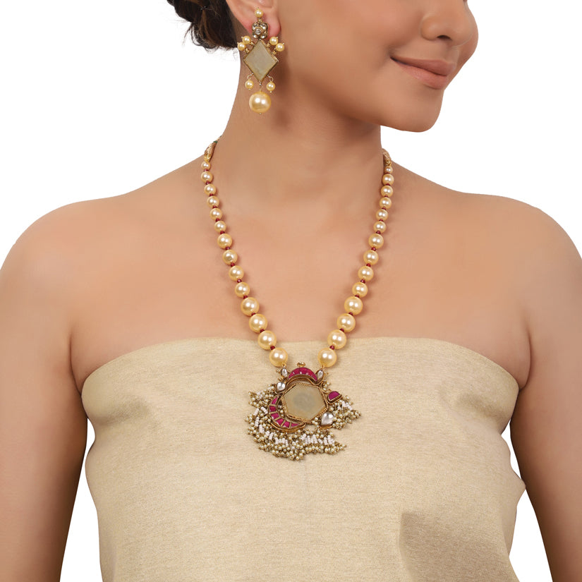 Gold Plated Valentine Fluorite Kundan Pendant Necklace Set