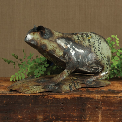 Reclaimed Metal Frog