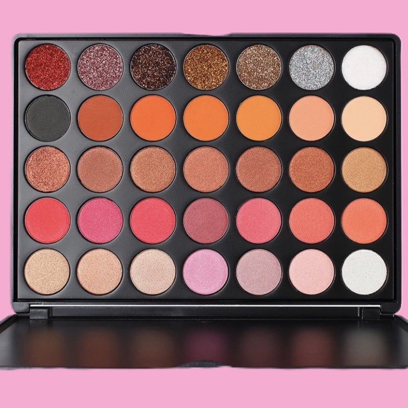Queendom Eye Shadow Palette