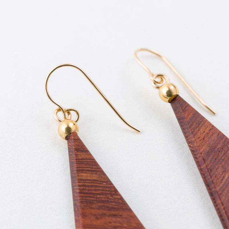 Hata Earrings Rosewood 14Kgf