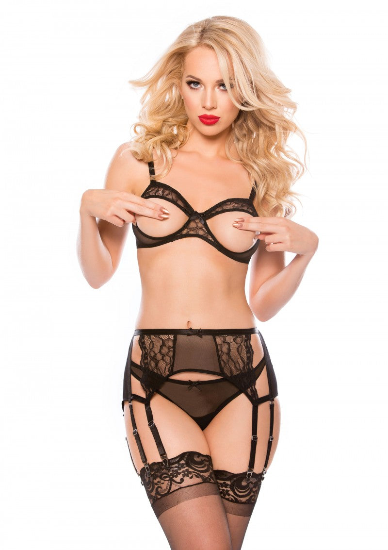 Kaeli Bra, Thong & Garter Set - one size