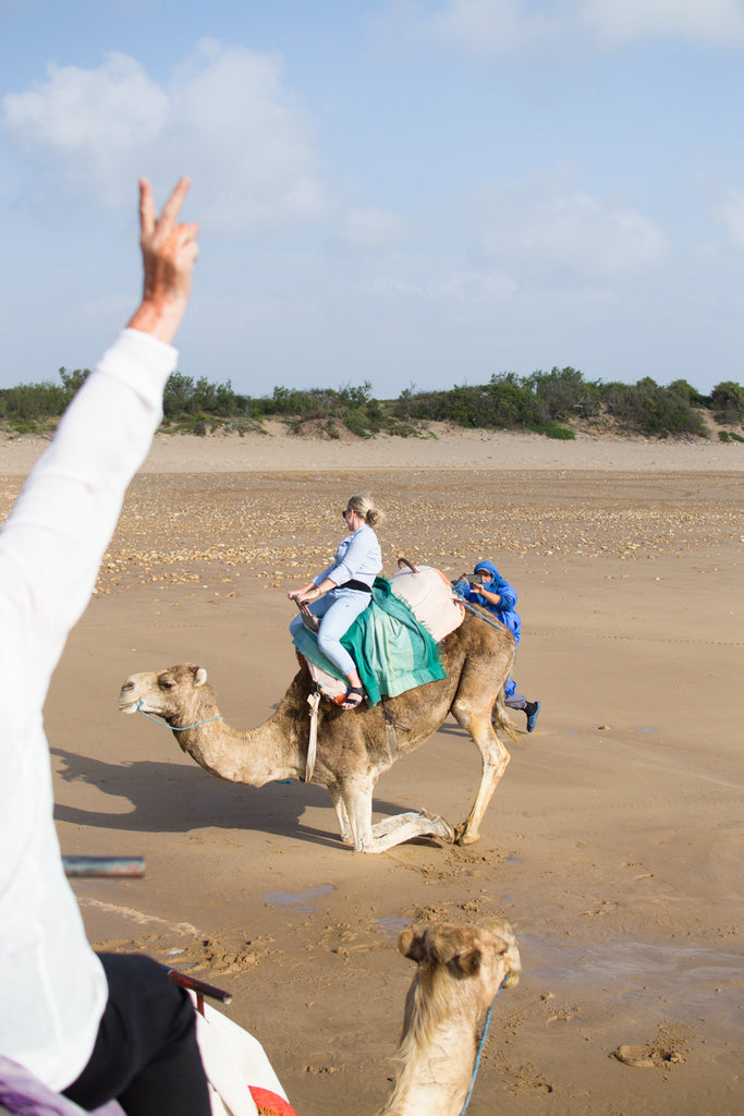 Riding camels in Morocco_Trip to Morocco_What to do in Morocco_Where to travel in Morocco_Morocco travel guide_sistergolden.com