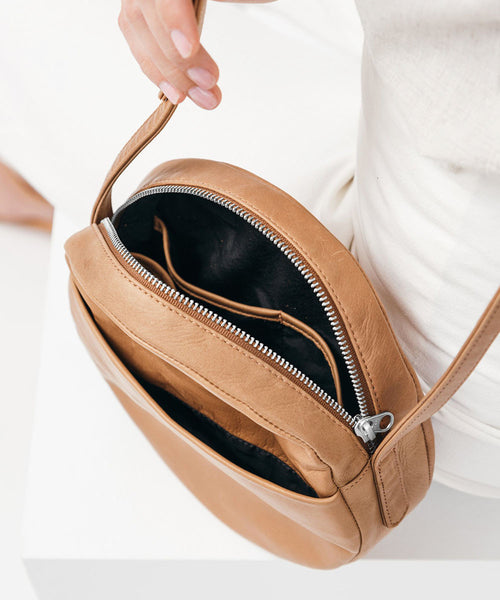 The Circle Purse (Multiple Colors)
