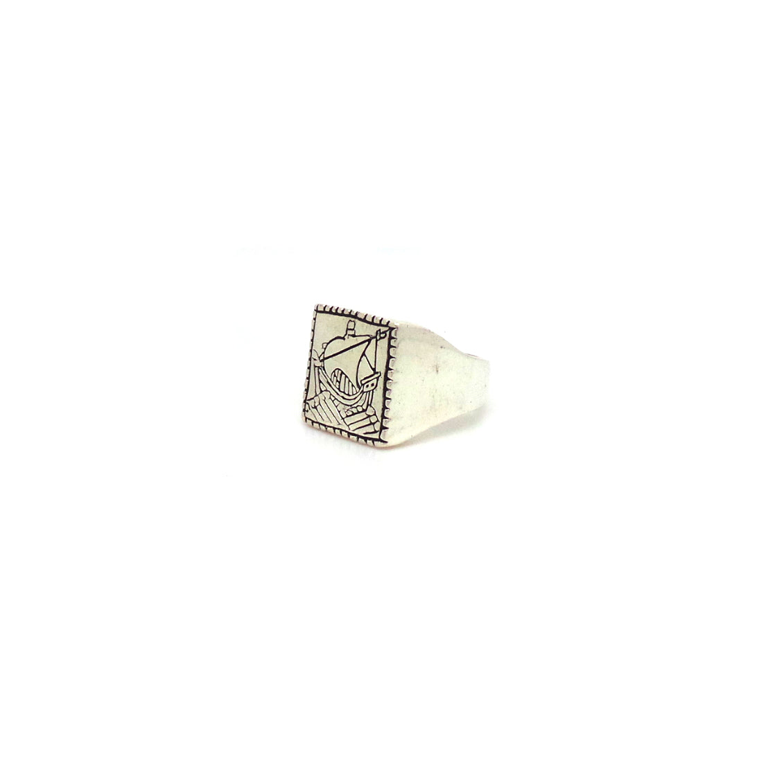 Hunt Of Hounds Sailor Signet Ring. An ancient ship surrounded by a rope motif.