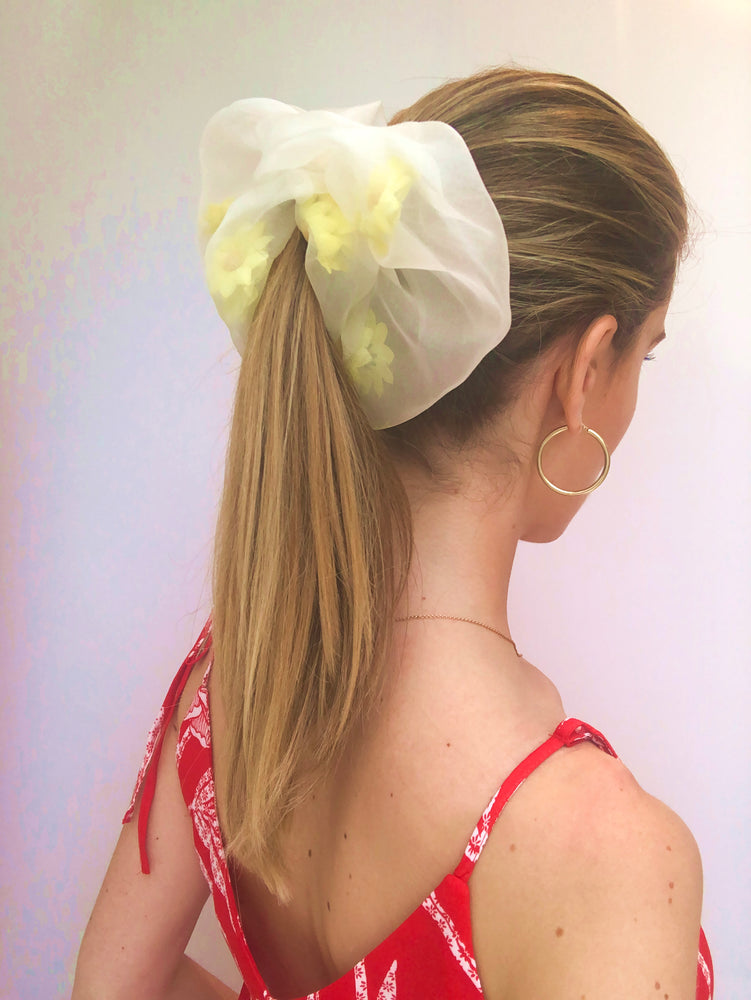 Load image into Gallery viewer, Daisy Organza Scrunchie
