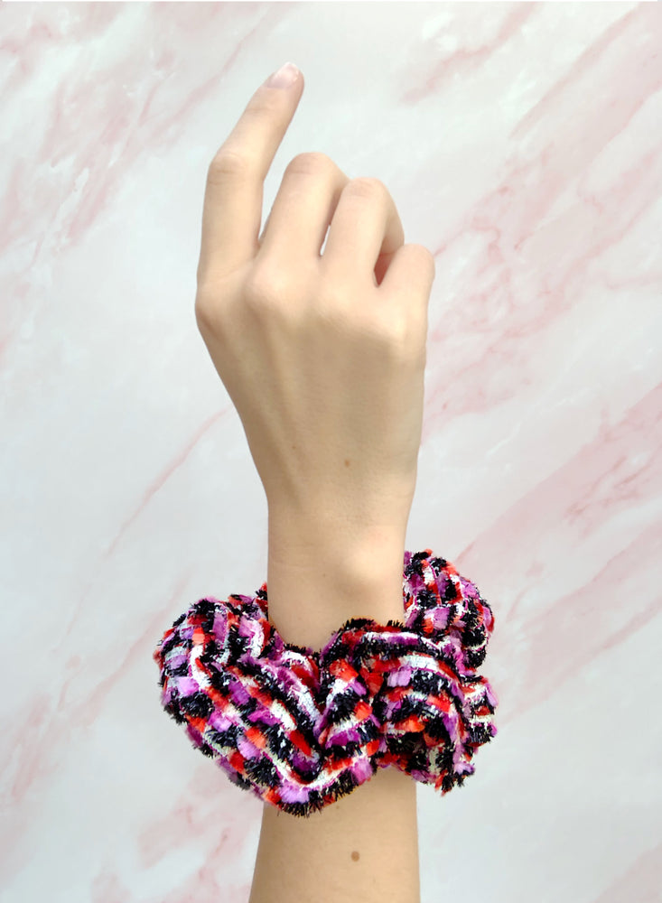Load image into Gallery viewer, Calypso Scrunchie Pink