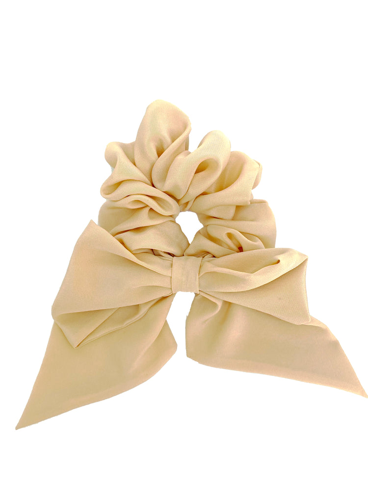 Jumbo Bow Scrunchie in Peach