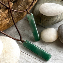 Load image into Gallery viewer, Mont Vert Jade Necklace