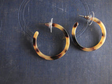 Load image into Gallery viewer, Tiffany Tortoise Hoops