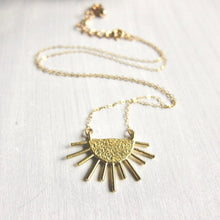 Load image into Gallery viewer, Helio Pendant Necklace