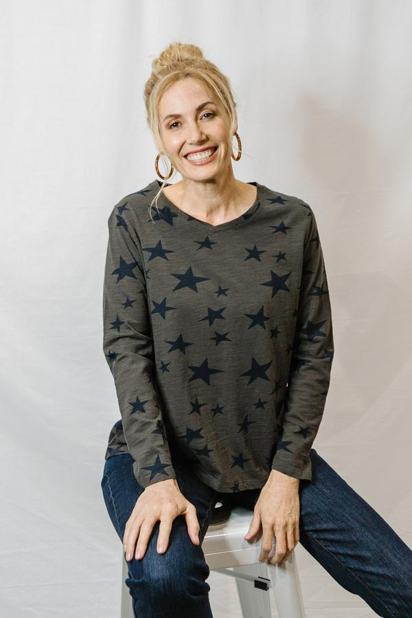 Top - Bark / Navy 100% Cotton Star Print Long Sleeve Tee Shirt
