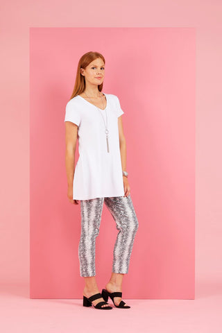 Pant - 7/8 Serpentine Stretch Capri by Philosophy