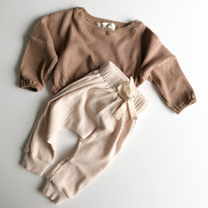 Load image into Gallery viewer, Torakina Pullover - Latte