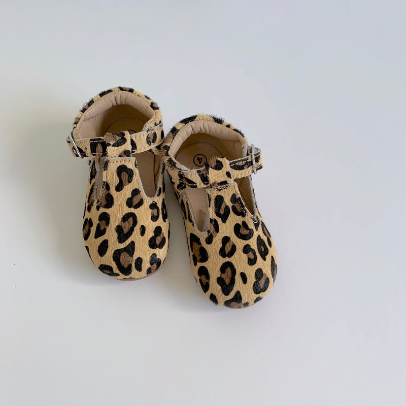 Leopard T-Strap Shoes