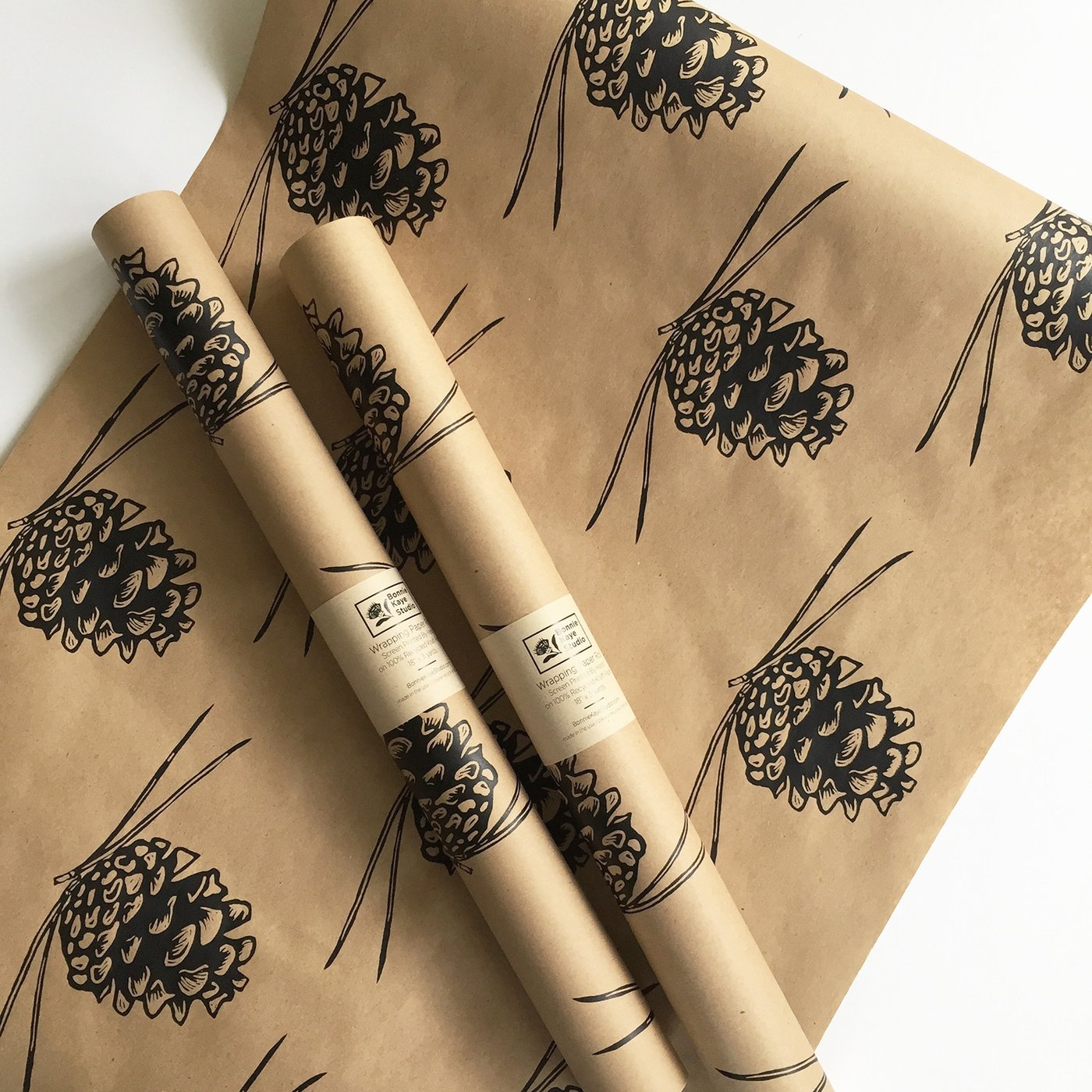 PINE CONE WRAPPING PAPER - BLACK