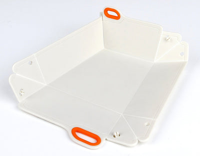 White with Dots Chop2bowl Dog and Cat Travel Collapsible Water and Food Bowl Snap on Chopping Board