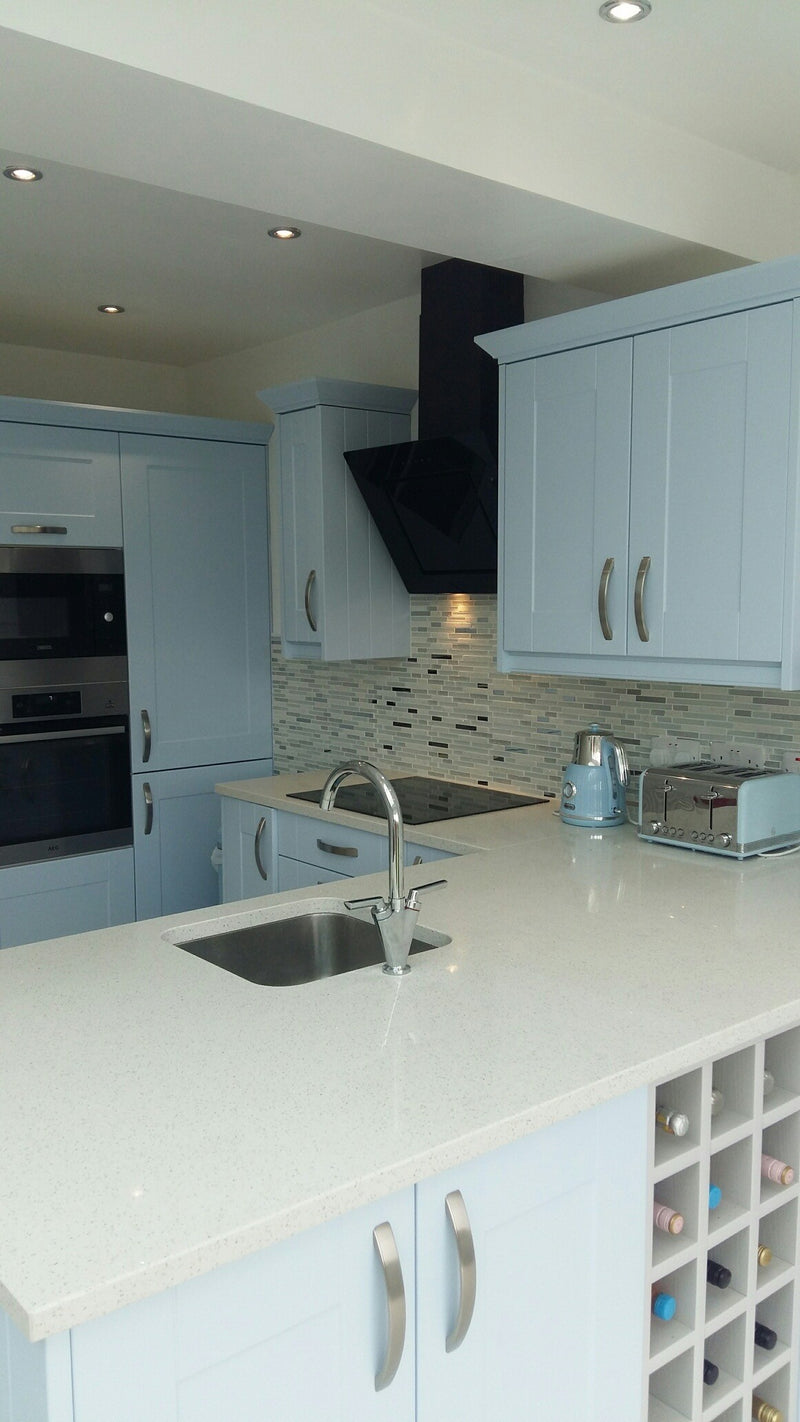 Quartz Linear White