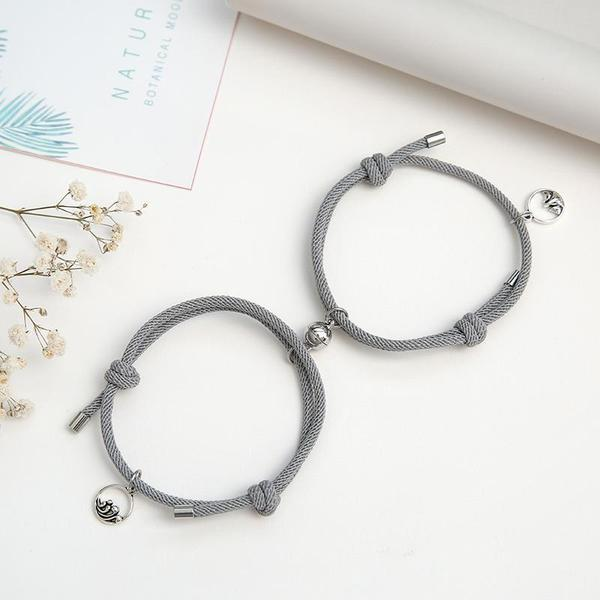【Free shipping over $49.99】Attract Couples Bracelets
