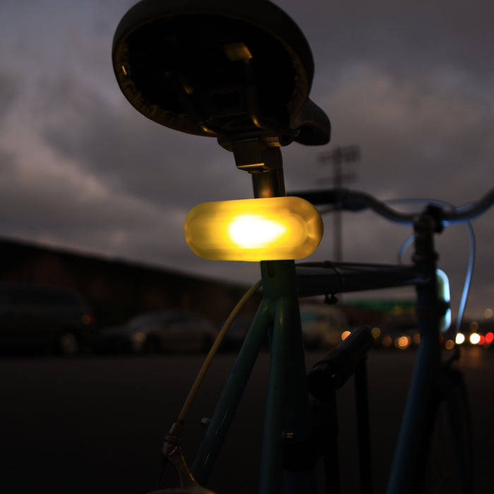 Turn-indicating bike lights use GPS to respond to their location by New Atlas