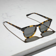 Load image into Gallery viewer, Nyota Sunglasses in Maple