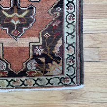 Load image into Gallery viewer, Tiny Vintage Rug 44
