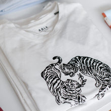 Load image into Gallery viewer, Graphic Tiger Tee